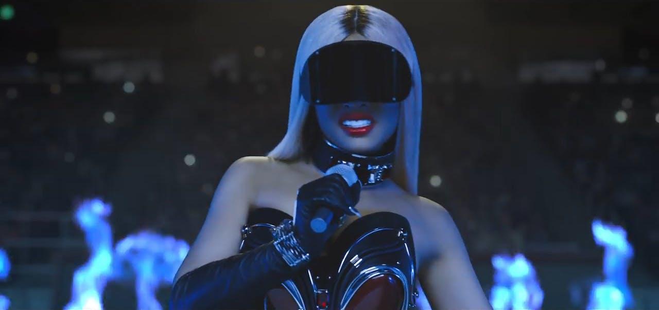Nicki Minaj in swish swish
