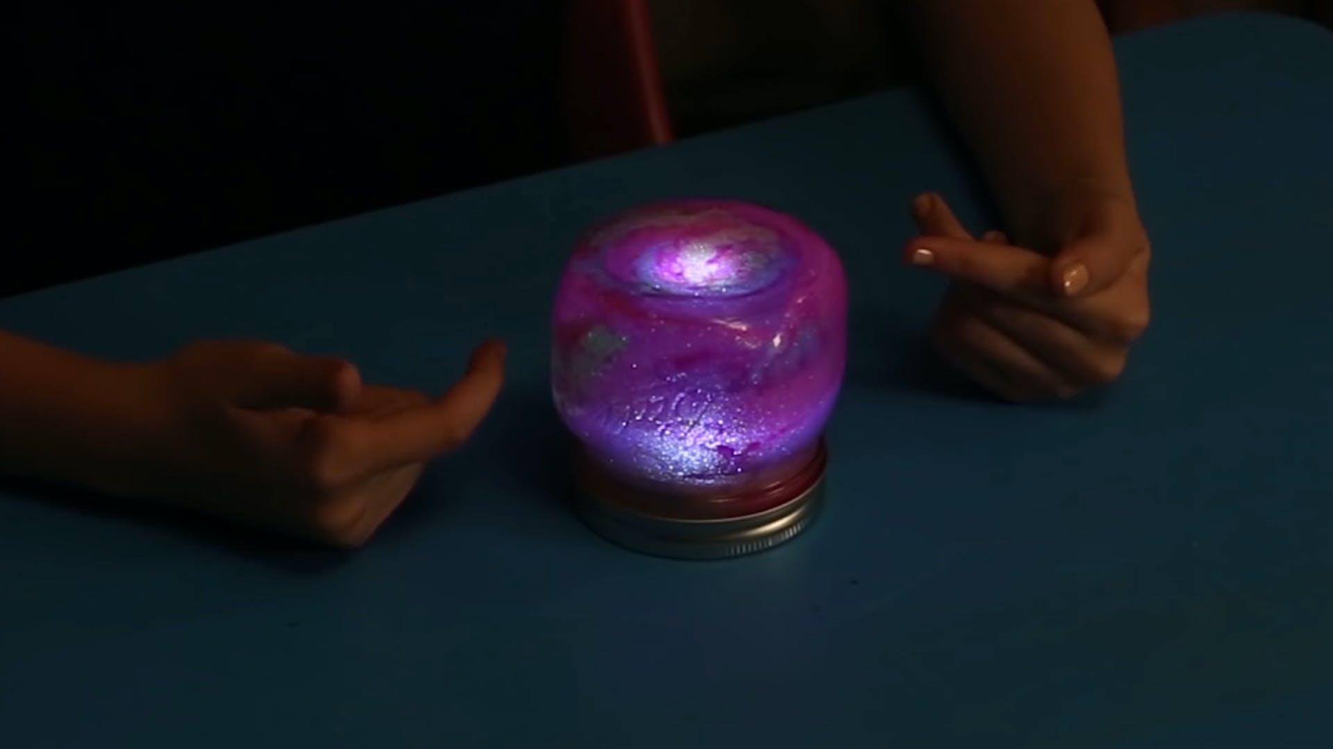 Life hacks: glitter lamp
