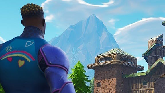 Fortnite building tips: Fortnite player looking at a mountain