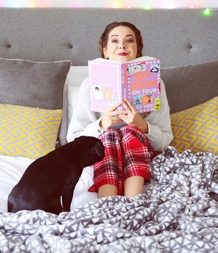 Zoella poses with her new book Girl Online On Tour